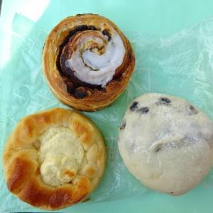 ラ・ブランジェリー・ピュール @学芸大学*クリームチーズパン、豆パン、シナモンロール