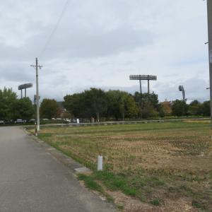 南長野運動公園 水害のボランティア受付 長い列ができています 駐車場も水害対策関係者でないと入れません