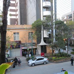 メキシコシティー ホテルの前