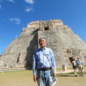 メキシコ ウシュマル 階段は登れません