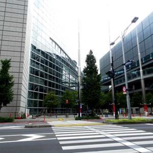 ★東京駅で五輪カウントダウン表示板撤去確認、はとバス、水素バスも。