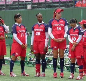 ソフトボールリーグ名古屋大会始球式