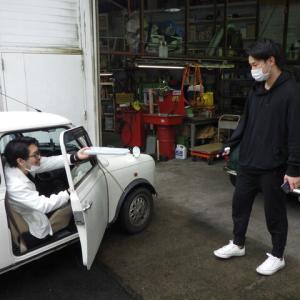 KT様 車検ついでにオイル交換。今オイル交換するならもちろん漏れないオートマ用オイルフィルター+PECSですよねヽ( ´ー`)ノ