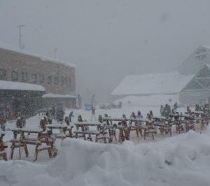 キロロスキー場の積雪量は十分