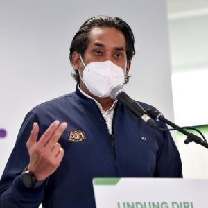 """カヒリ大臣から、""""2回ワクチン接種への制限解除はもうしばらくない!"""" え~っ!だって~、ムヒデイ"""