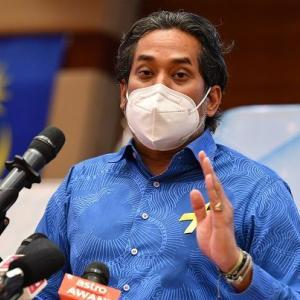 マレーシアも10月からワクチン ブースター接種開始! 昨日は1万5千人切りの14954人!