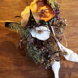 「チキンとズッキーニのグリーンカレー」ココナッツミルクのコクと旨味の中に幾種ものハーブやスパイスが群舞を繰り広げる、ロマンチックなカレーです♪ 東中野・OnFlowers