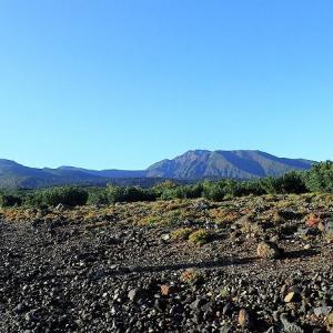 9月の山・・・大雪山系 美瑛岳から十勝岳に周回して白金温泉まで歩く
