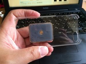 """1秒でiPhoneをデジカメで撮影するみたいに持つことが出来るアクセサリー""""Bunker Ring"""" #iPhonejp #ios #Apple"""