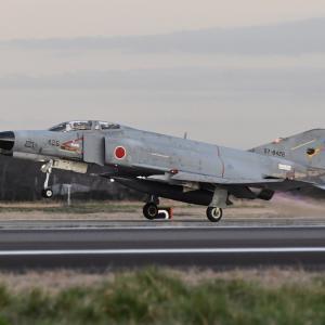 百里 (59) ~ 有終のファントム(その4)離陸編 空自F-4EJファントム、 空自UH-60J、 JAL777 など ~
