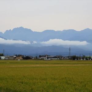 立山山腹にたなびく雲・・・富山市水橋