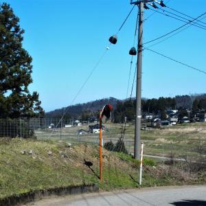 東福寺野の尾根筋から谷筋へ下ると、かなりの戸数の集落(4)・・・滑川市・東福寺野