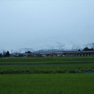 今日も限度しらずの雨、新幹線も立山への道も雨に濡れる・・・滑川市