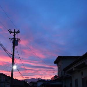 今朝4時半朝焼けの空、梅雨明けの気配なし・・・富山市水橋