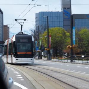 富山県庁・富山城などの近辺、街路は若葉が萌えはじめた(2)・・・富山市市街地