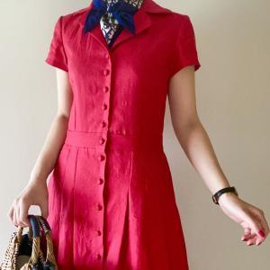 いつまでも着たい、赤いリネンのドレス