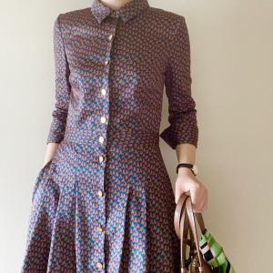 秋にぴったり、ジオメトリックなシャツドレス