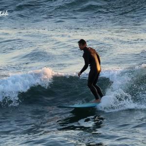 サーフィンを楽しむ人々@稲村ケ崎