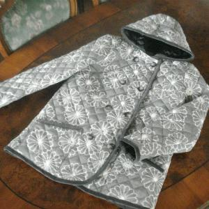 ウール着物 de キルティング・フード付きジャケット 1 グレー・菊柄絣