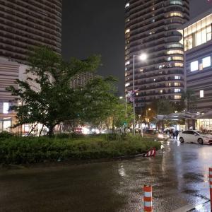 台風で武蔵小杉駅前が冠水で驚き❗