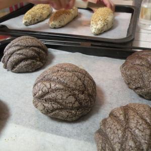 火曜:チョコシート折り込み、芋パン、リクエストパンレッスン♪