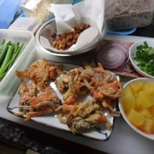 素人の男料理:マレーシアで盛り沢山の「冷やしゴボウそば」:ごぼうが余った時オードブルにゴボウソバに変身したつもり。