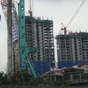 13集:マレーシアにて日本「ホンダバイク」の凄さ。OUG朝市後  の凄い光景。危険を顧みない鉄塔のマレーシア人などなど。