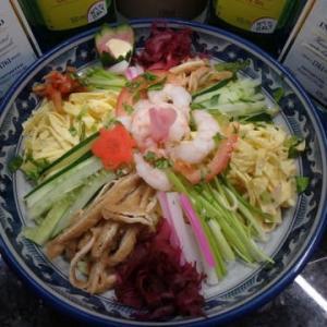 海外で冷やし中華:今回はマレーシアの「客家拉麺」「上海拉麺」で【冷やし中華】を作った。