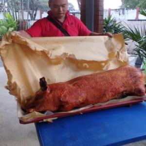 「国際交流」最近出来てないなぁ:今年はCNYで豚の丸焼きパーティ無いのかな