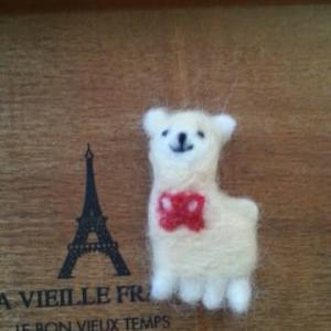 オリジナル羊毛ブローチ