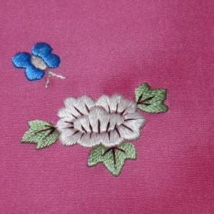 刺繍、練習中
