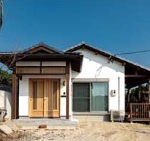 木製キッチンが主役LDK「大好き」があふれる自然素材の家