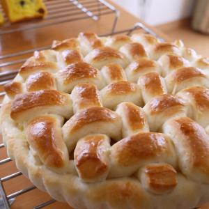 アップルパイ風アップルパンが人気です