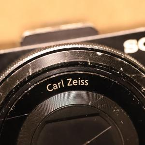 新しいコンパクトカメラ