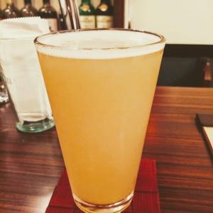 火曜ハシゴ2軒目はアメリカンヘイジーIPAなどを飲み比べ!@神田多町の「スクリーミンホップ」!