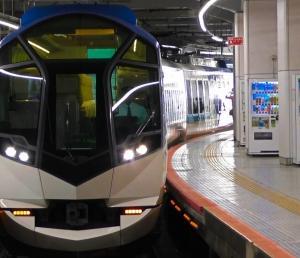 近畿日本鉄道(近鉄)50000系電車 特急しまかぜ 京都駅への回送入線と発車