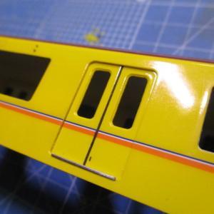 カツミの東京メトロ1000系を製作9:外装パーツ取り付け