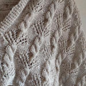 リネン糸で編んだ透かし模様編みショール♪**