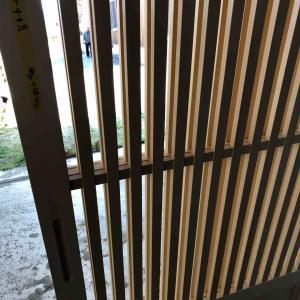 木製玄関引戸へ