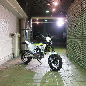 「人と同じじゃ許せない!」認定!Husqvarna 701 SUPER MOTO 2019
