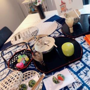 ゆかたの帯結びもレッスンのテーブル茶道サロン