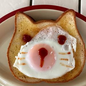 ネコと犬とパン♪