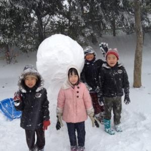 雪だるまを作っていて思ったこと(その2:子育てって)