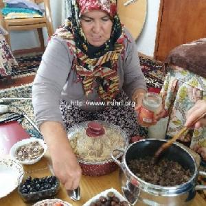 村のアイシェと糸紡ぎ、そして美味しいもの