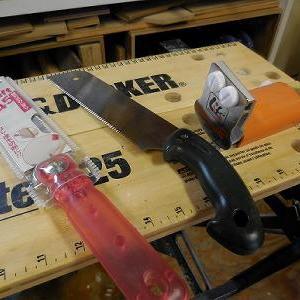 DIYを始めるのに最初に必要なのは、のこぎりか?手道具について!