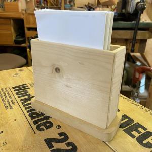 これを木工DIYで作ってみませんか!メモ用紙立て