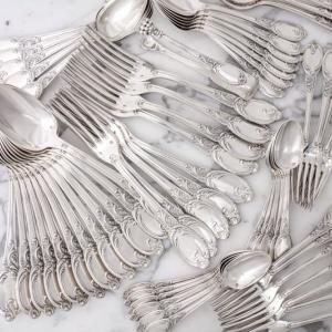 c.1890 フランス製 純銀製ファーストミネルヴァ ディナーカトラリー85ピースセット