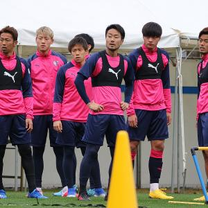 ◆画像◆練習中のC大阪、清武さんらが非常に渋い表情で草