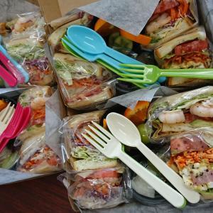 サンドウィッチとパフェ kaniku