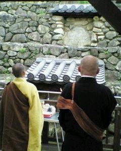 【2012 年6月の記事】6月18日 福智院と頭塔での玄昉(げんぼう)忌法要に参座